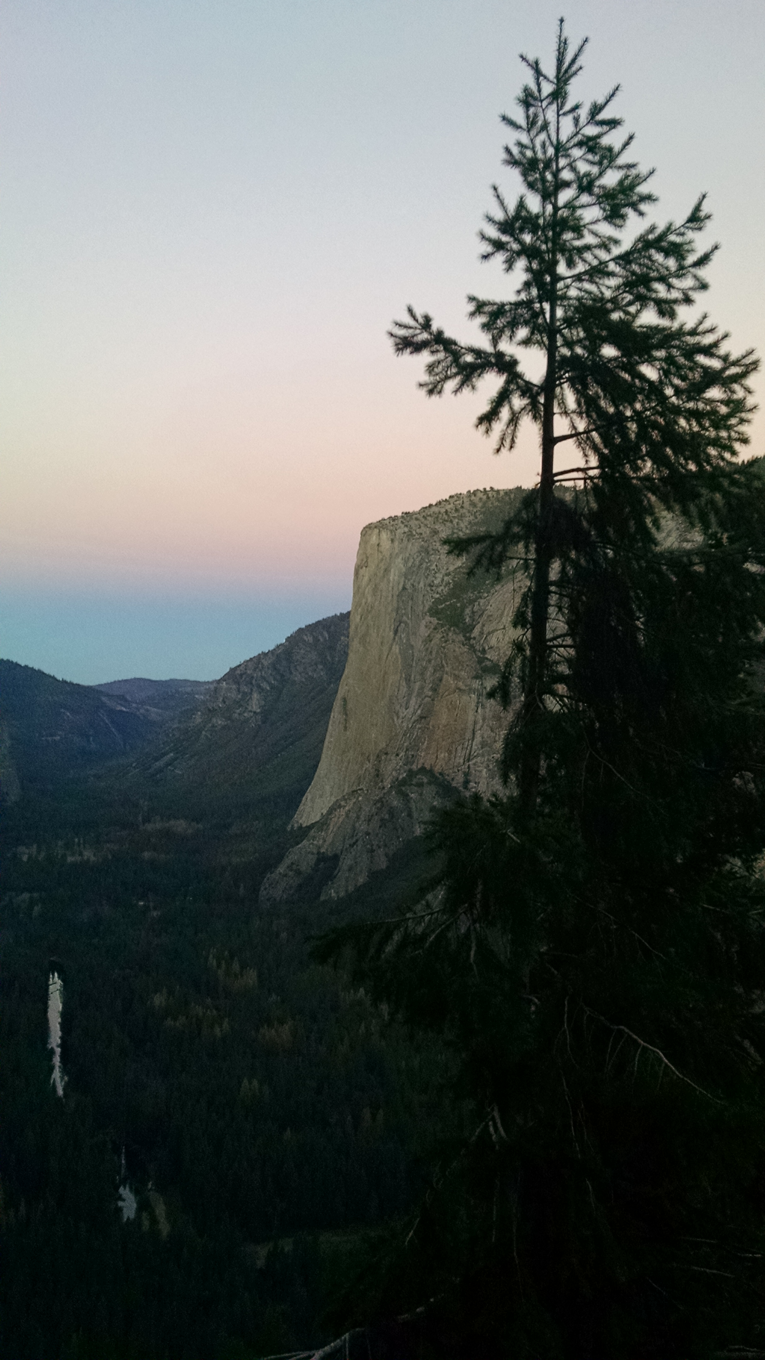 A view of the sunrise on El Capitan in Yosemite National Park